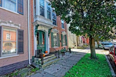 Schenectady Single Family Home For Sale: 214 Union St