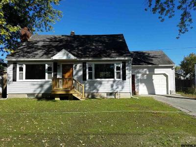 Cohoes Single Family Home For Sale: 197 Berkshire Av