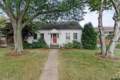 Albany Single Family Home For Sale: 8 Maxwell St