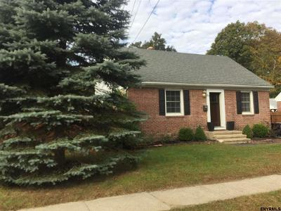 Colonie Single Family Home For Sale: 51 Brent St