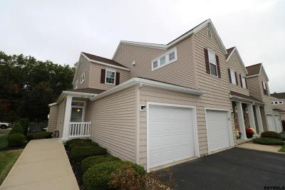Saratoga County Single Family Home New: 32 Knollwood Hollow