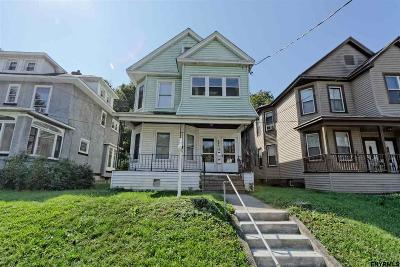 Two Family Home Pend (Under Cntr): 542 Mercer St