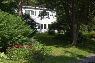 Voorheesville Single Family Home For Sale: 16 Orchard Path