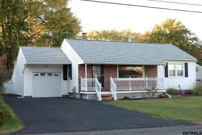 Colonie Single Family Home For Sale: 10 Elmwood St