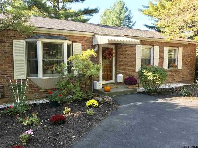 Colonie Single Family Home New: 48 Fiddlers La