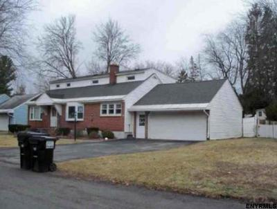 Schenectady Single Family Home New: 9 Mullen Dr