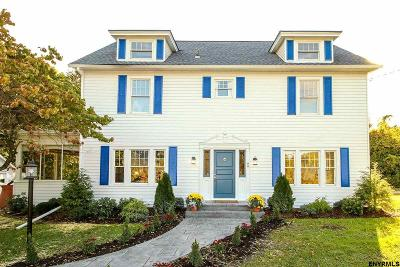 Colonie Single Family Home For Sale: 94 Menand Rd