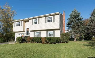 Single Family Home For Sale: 20 Meadowbrook Rd