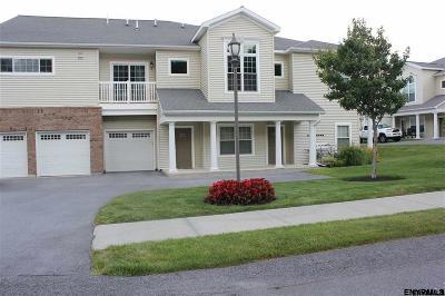 Niskayuna Single Family Home For Sale: 804 Vly Pointe Dr
