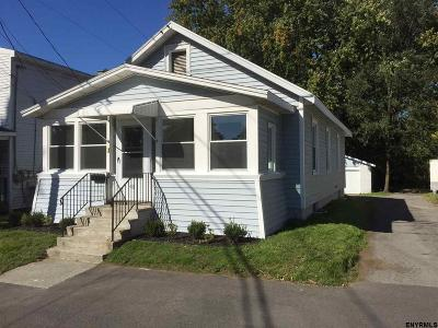Colonie NY Single Family Home Sold: $160,000
