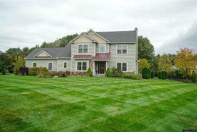 Saratoga Springs Single Family Home For Sale: 20 Fox Hound Run