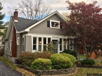 Niskayuna Single Family Home For Sale: 1362 Regent St