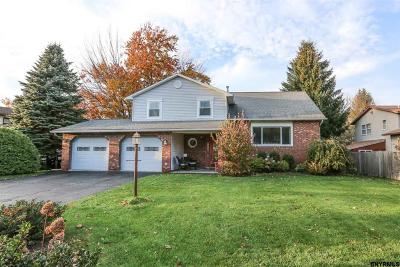 Colonie Single Family Home For Sale: 14 Riesling Rd