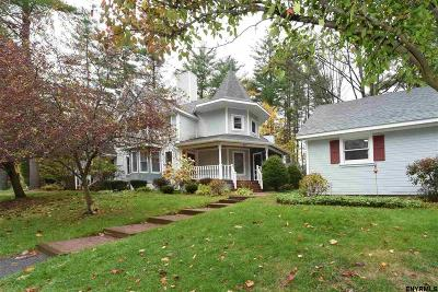 Saratoga Springs Single Family Home For Sale: 10 Vallera Rd