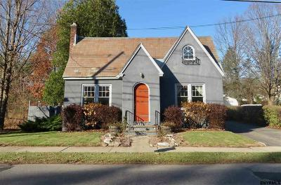 Saratoga Springs Single Family Home For Sale: 261 W Circular St