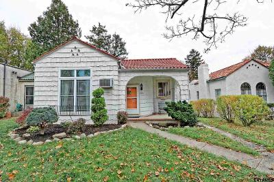 Albany Single Family Home For Sale: 299 Woodlawn Av