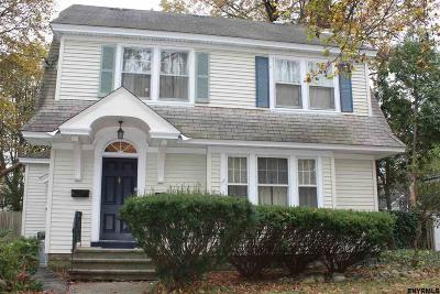 Schenectady Single Family Home For Sale: 1202 Phoenix Av