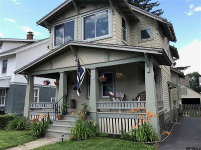 Schenectady Single Family Home For Sale: 843 Woodland Av