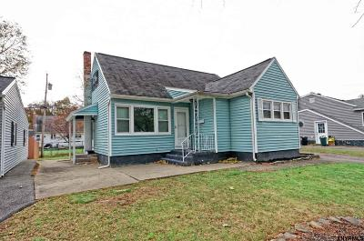 Schenectady Single Family Home For Sale: 2570 Putnam St