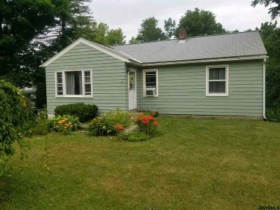 East Greenbush Single Family Home For Sale: 101 Elliot Rd