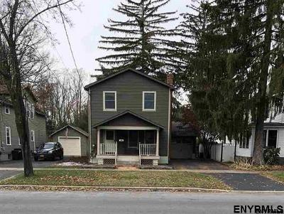 Saratoga Springs Single Family Home For Sale: 211 East Av
