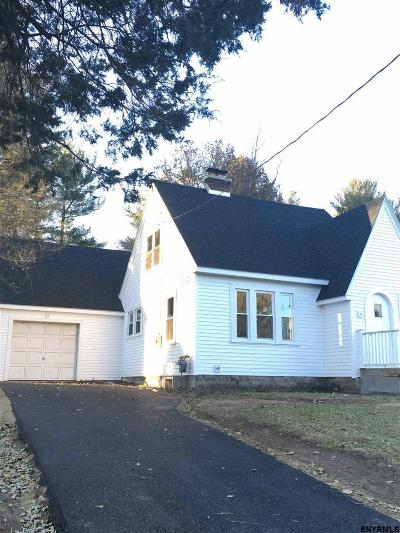 Colonie Single Family Home For Sale: 38 Lishakill Rd