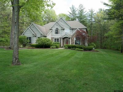 Saratoga Springs Single Family Home For Sale: 26 Winding Brook Dr