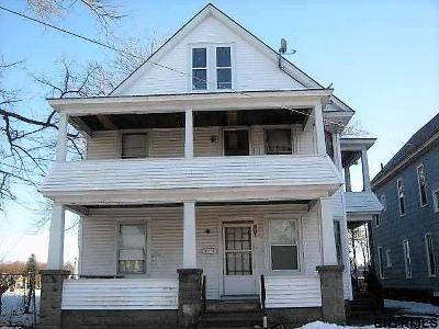 Schenectady Multi Family Home For Sale: 33 Swan St