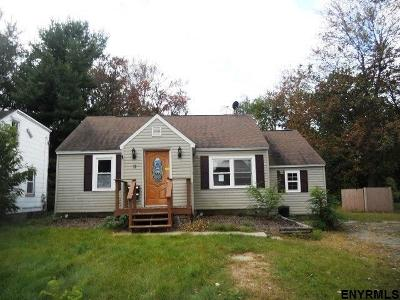 Colonie Single Family Home For Sale: 11 Grace St