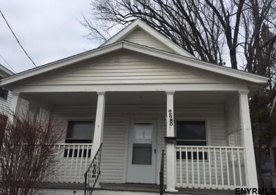 Schenectady Single Family Home For Sale: 228 5th St
