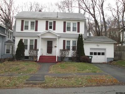 Brunswick Single Family Home For Sale: 11 Putnam St