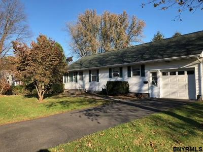 Colonie Single Family Home For Sale: 9 Elizabeth St