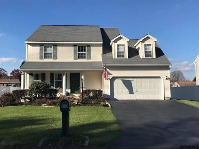 Colonie Single Family Home For Sale: 26 Lapham Dr