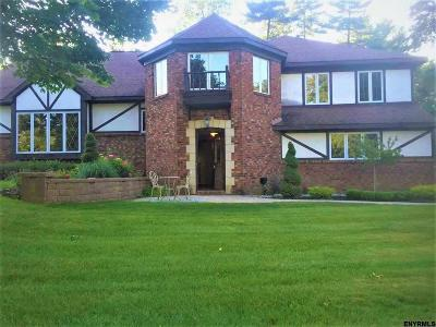 Niskayuna Single Family Home For Sale: 25 Chestnut La