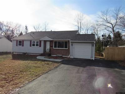 Colonie Single Family Home For Sale: 11 Aragon Av