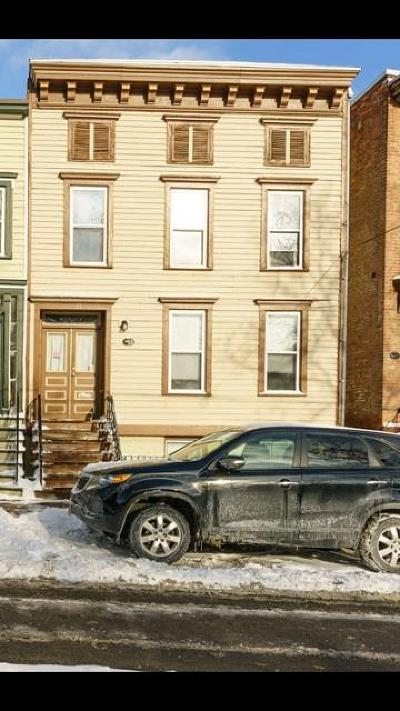 Albany Multi Family Home For Sale: 29 Bleecker Pl