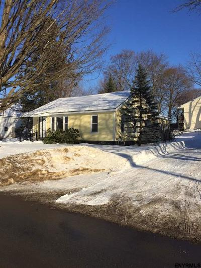 South Glens Falls Single Family Home For Sale: 41 Fairview St Ext