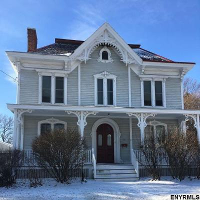 Troy Single Family Home For Sale: 212 Pawling Av
