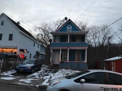 Schenectady Single Family Home For Sale: 802 Davis Ter