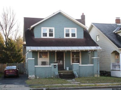 Schenectady Single Family Home For Sale: 1018 Lakeview Av