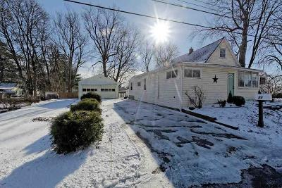 Colonie Single Family Home For Sale: 23 Barthol St
