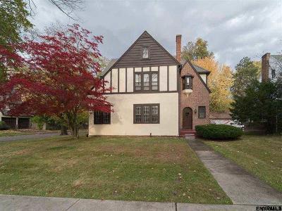 Albany Single Family Home New: 219 S Main Av