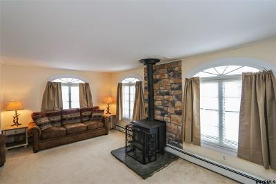 Johnstown Single Family Home For Sale: 208 South Perry St