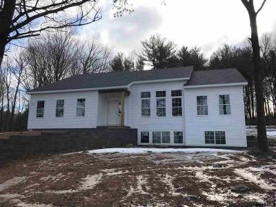 Schenectady County Single Family Home For Sale: 2604 Aqueduct Rd