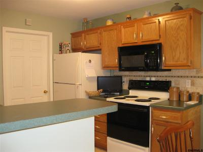 Rensselaer NY Single Family Home Pend (Under Cntr): $149,900