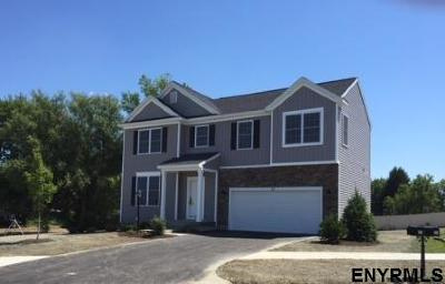 Halfmoon Single Family Home For Sale: Heron Place