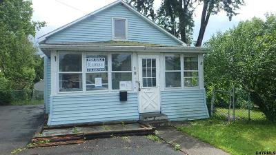 East Greenbush Single Family Home Extended: 18 Highland View Av