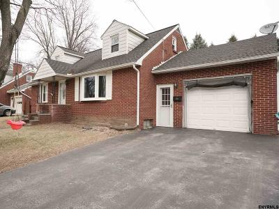Colonie Single Family Home For Sale: 31 Bosher Dr