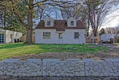 Rotterdam Single Family Home For Sale: 1046 Outer Dr