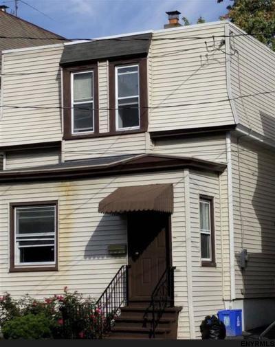 Albany NY Single Family Home For Sale: $65,000